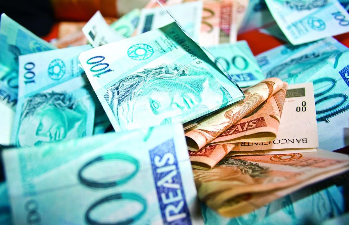 Onde poupar 100 reais por mês