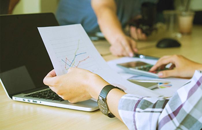 Gestão ativa e gestão passiva: Saiba como investir em fundos
